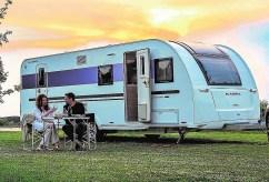 Nicht nur für ein Paar, sondern für maximal sieben Personen bietet der Adria Adora 673 Platz.
