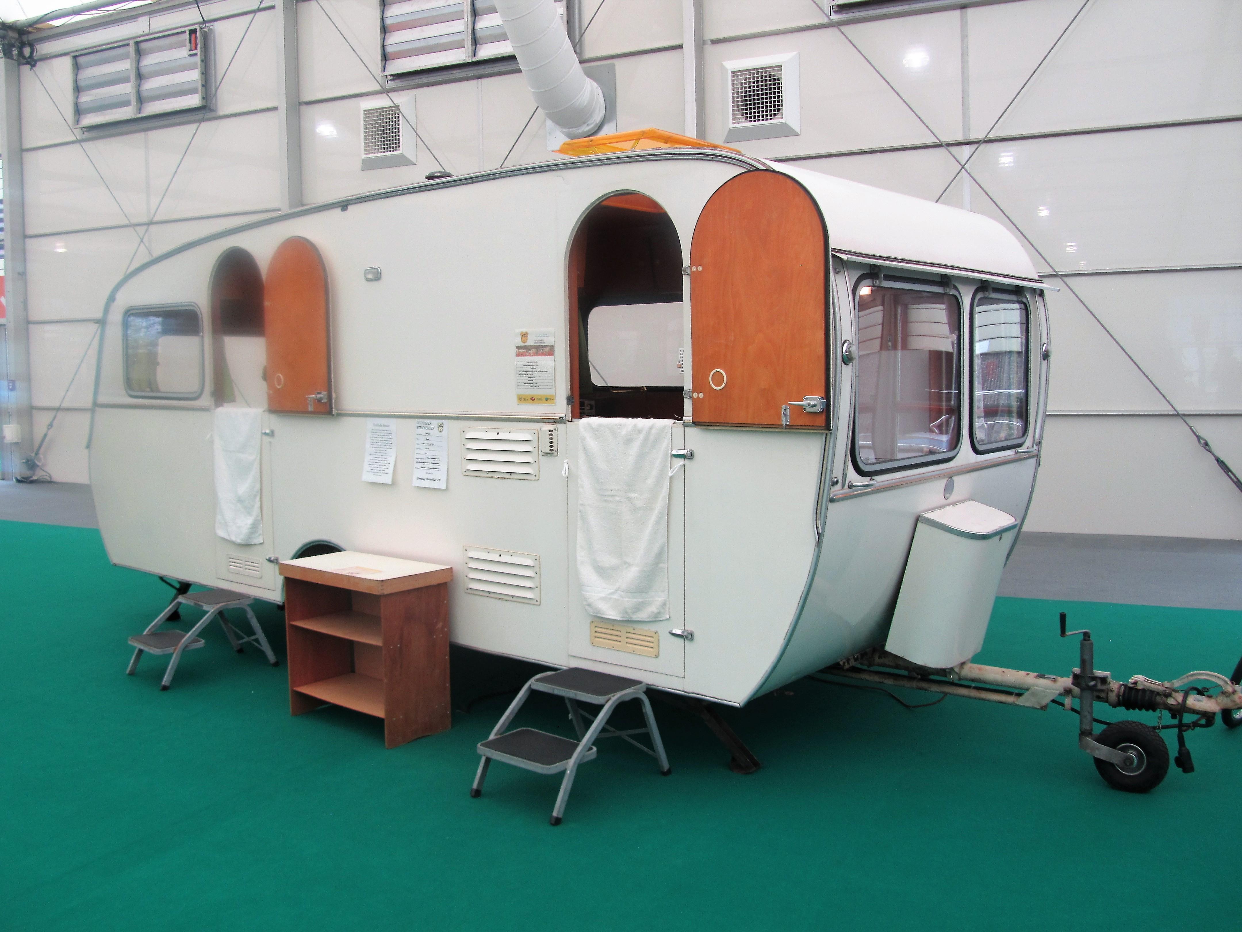 Wohnwagen Mit Etagenbett Und Querbett : Adria adora 673 pk: wieder ein wohnwagen mit zwei eingängen u2013 die