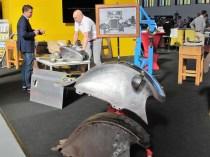 Oldtimer-Kotflügel und Tanks werden bei Bedarf kunstvoll nachgebaut.