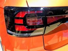 Interessante Heckansicht des VW T-Cross mit seinen schicken LED-Rückleuchten. Foto: Klaus H. Frank