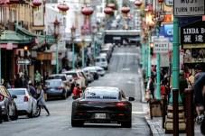 Weniger spektakulär aber genauso wichtig ist die kundennahe Alltags-Erprobung im öffentlichen Straßenverkehr. Foto: Porsche