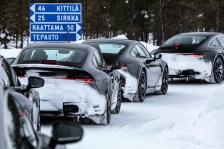 Im minus 35 Grad kalten Finnland stehen Stichworte wie Kaltstart, Heizung und Klimatisierung, Traktion, Handling und Bremsverhalten sowie Reaktionsschnelligkeit der Fahrdynamik-Regelsysteme auf dem Testkalender für den neuen 911er Porsche. Foto: Porsche