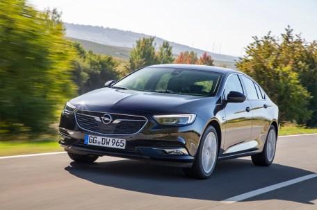Unter der Haube des Insignia verrichtet jetzt ein neuer 1,6 Liter großer Turbo-Benziner seinen Dienst. © Opel