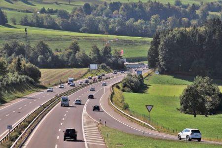 Mit der Forderung von Fahrverboten schießen die Umweltschützer nach Meinung vieler Autofahrer über das Ziel hinaus. © pasja 1000 / pixabay.com