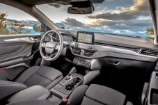 Das Cockpit des Focus Turnier entspricht dem der Limousine. Foto: Ford
