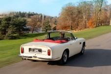 Ein erstes Modell, ein 1970 gebauter DB6 Mk II Volante, wurde bereits im Werk Newport Pagnell – wo auch die Oldtimer-Abteilung von Aston Martin beheimatet ist – umgerüstet. Foto: Aston Martin