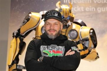 """Bumblebee""-Sneaktpreview in der Autostadt mit Kult-Schrauber Sidney Hoffmann. Foto: Auto-Medienportal.Net/Autostadt."