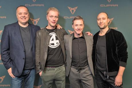 Seat-Geschäftsfüher Bernhard Bauer links), Jens Scheele, Johannes Fleck und Giuseppe Fiordispina bei der CUPRA X Night Berlin. Foto: Seat