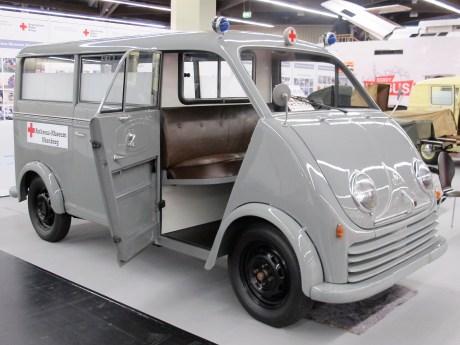DKW-Schnellaster mit Dreizylinder-Zweitaktmotor als Krankenwagen