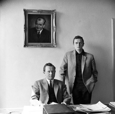 Ferry Porsche (li.) in seinem Büro mit Sohn Ferdinand Alexander Porsche (ca. 1960). Foto: Auto-Medienportal.Net/Porsche
