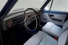 Komfort-Cockpit damals: Der Volvo 164 galt seinerzeit als durchaus luxuriöses Gefährt. Europäer mussten noch kurbeln, elektrische Fensterheber gab es nur für Amerikaner. © Volvo