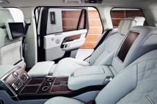 Luxus in der zweiten Reihe: Der Range Rover P400e. Foto: Auto-Medienportal.Net/Jaguar Land Rover