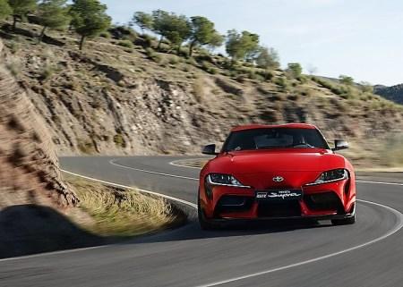 Unter der Haube des zweisitzigen japanischen Coupés steckt der 340 PS und 500 Newtonmeter starke Motor aus dem Cabrio Z4. Foto: Auto-Medienportal.Net/Toyota