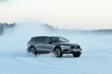 Dank Allrad ist der Offroad-Kombi auch im Schnee gut beherrschbar. © Volvo