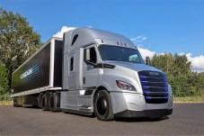 Der vollelektrischer Freightliner eCascadia ist für den Einsatz im schweren Segment. Foto: Auto-Medienportal.Net/Daimler