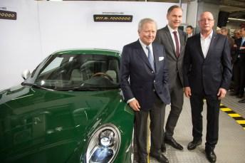 Porsche-Triumvirat: Aufsichtsratschef Dr. Wolfgang Porsche, Vorstandsvorsitzender Oliver Blume und Betriebsratschef Uwe Hück (v.l.n.r.). © Porsche