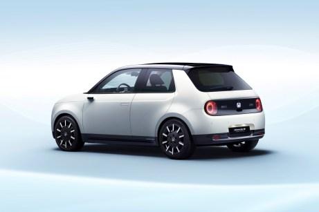 """Lifestyle-Auto für die Stadt: Der Honda """"e Prototype"""" definiert Urbanität mit einfachen Formen, klaren Flächen und sanften Übergängen. © Honda"""