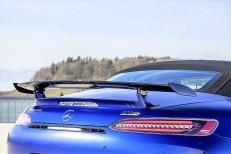 Der Spoiler mit integrierter dritter Bremsleuchte ist fest auf dem Heckdeckel montiert und erhöht den Anpressdruck auf der Hinterachse. Foto: Auto-Medienportal.Net/Daimler