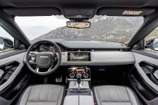 Der Innenraum des neuen Evoque ist edel und hochwertig und bietet mehr Platz als bisher sowie zusätzliche Ablagen. © Range Rover
