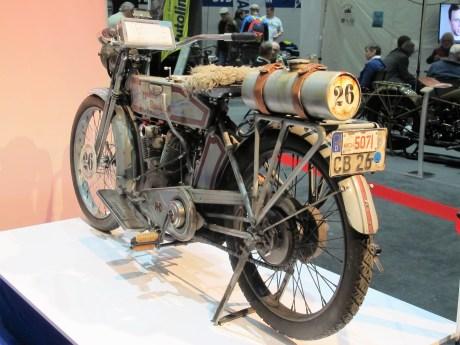 Im Cannonball-Renntrim: Harley-Davidson Modell 10E