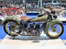 Excelsior Super X von 1929 mit modernem Satteltank