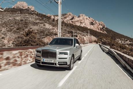 SUV mit Limousinen-Auftritt: Im Cullinan sitzt man leicht erhöht. © mr.goodlife / Rolls-Royce