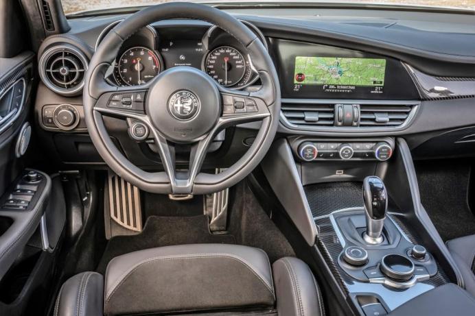 Das Cockpit der Giulia. © Alfa Romeo