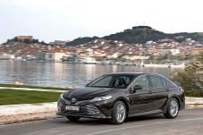 Schlicht: Das Design des Toyota Camry fällt nicht durch Extravaganzen auf. © Toyota