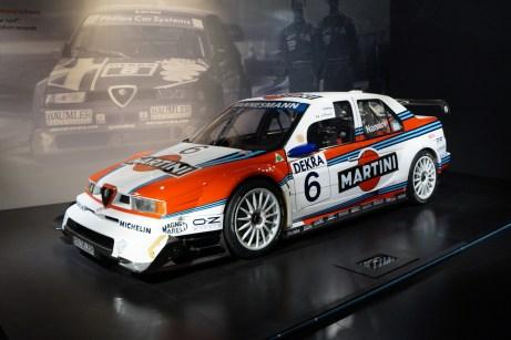 Auch im Tourenwagensport hat sich Alfa Romeo einen Namen gemacht. Hier der 1996er Alfa Romeo 155 V6 TI von Alessandro Nannini. © Mirko Stepan / mid