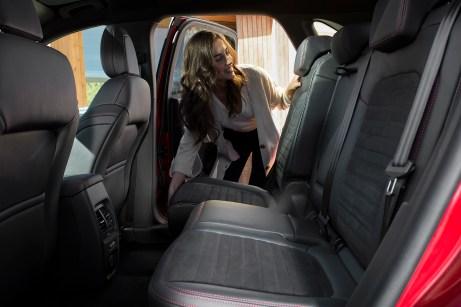 Hereinspaziert: Die Rücksitze des Ford Kuga bieten nicht nur zierlichen Passagieren ausreichend Platz. © Ford