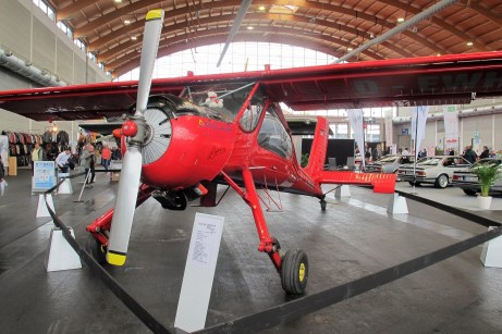 Bis zu drei Segelflugzeuge kann der Hochdecker PZL 104 Wilga schleppen.
