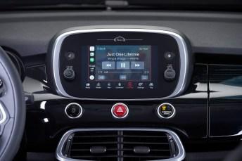 Apple Music inklusiver eigener Fiat-Playlist ist bei den Sondermodellen für sechs Monate gratis dabei. © FCA