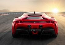 Der SF 90 Stradale ist der erste Ferrari-Sportwagen mit Allradantrieb, um das Potenzial des Hybridsystems voll auszuschöpfen zu können. Foto: Auto-Medienportal.Net/Ferrari