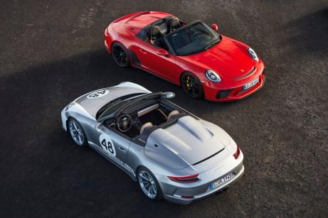 Noch exklusiver als der normale Speedster ist der Sportwagen mit Heritage Design-Paket für zusätzlich knapp 22.000 Euro (links). Die zweistellige Startnummer kann frei gewählt werden. © Porsche