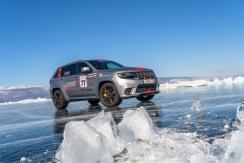 Noch wichtiger als die pure Kraft des Motors und die kräftig zupackenden Bremsen war bei der Rekordfahrt die intelligente, sensible Elektronik. © Jeep