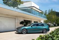 Sportliche Note: Die Dachlinie fällt sanft ab, die Heckscheibe steht dynamisch schräg. © BMW