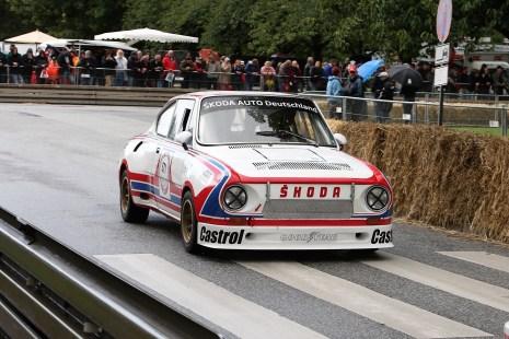 Zuschauer können den ŠKODA 130 RS sowohl in der Rallye- als auch der Rundstreckenvariante (Foto) auf der Strecke erleben. © Skoda