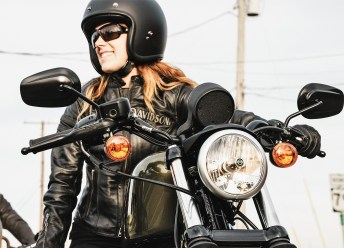 Girls just wanna have fun. Text & Bildnachweis: Copyright Harley-Davidson