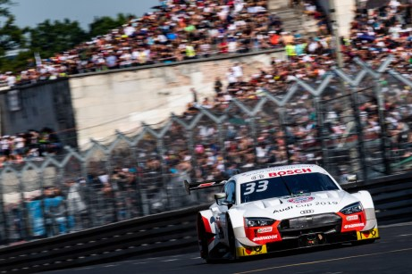 Rast fuhr in Nürnberg mit dem Bayern-Logo auf dem Auto. © Audi