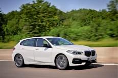 BMW 118d. Die dritte Generation des kompakten Müncheners nimmt Abschied vom Hinterradantrieb und ist auf Frontantrieb umgestellt. © BMW
