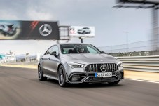 Wer sich einen CLA45 AMG gönnt, sollte sich auch die Rennstrecke gönnen. Erst dort kann man die Wuchtbrumme richtig ausfahren. © Daimler