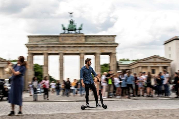 Audi e-tron Scooter – Funktionalität und Style für die letzte Meile. © Audi