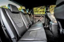 Die besondere Ford Performance-DNA spiegelt sich mit einer harmonischen Farbgebung, hochwertiger Verarbeitung und langlebigen Materialien auch im gesamten Innenraum wider, den blaue Nähte und Leder-Akzente zieren. © Ford