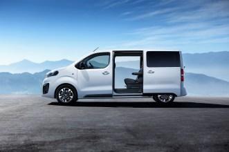 Opel Zafira Life: Die zweite elektrische Schiebetür gibts auf Wunsch. © Opel