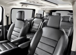 Bis zu neun Passagiere können im Opel Zafira Life mitfahren. © Opel