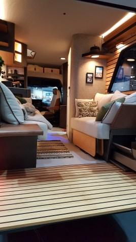 Visionäres zeigt Hymer mit der Studie Venture Vision. Allradantrieb, eine Dachterrasse und ein Heckbalkon mit Elektrogrill. Foto: Auto-Medienportal.Net/Michael Kirchberger