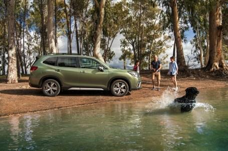 Dank des um drei Zentimeter verlängerten Radstands verbessern sich im Forester vor allem die Beinfreiheit der Passagiere in der zweiten Reihe und die Größe des Kofferraums. © Subaru