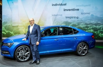 IAA 2019: Skoda-Chef Bernhard Maier präsentiert den Superb iV. Foto: Auto-Medienportal.Net/Skoda