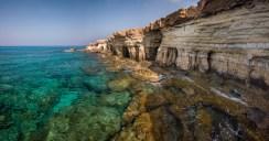 Kristallklares Wasser bei den Höhlen von Ayia Napa. Und so soll es bleiben. © TUI