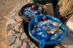 Verpackungen wie Plastiktüten sowie Einweg-Plastik wie Strohhalme, Flaschen und Wattestäbchen sind die häufigsten Abfälle im Mittelmeer. © TUI